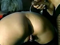 Lewd girl gets DP from guy n tranny